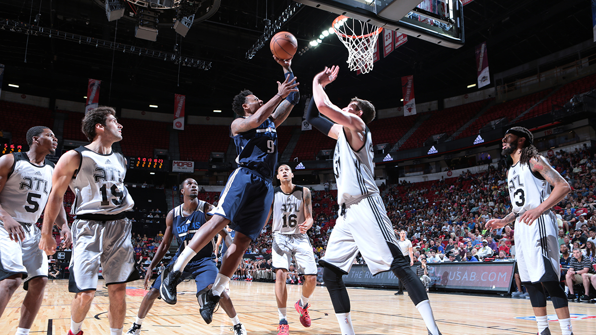 Ray goes for a layup against the Atlanta Hawks in the summer league semifinals.
