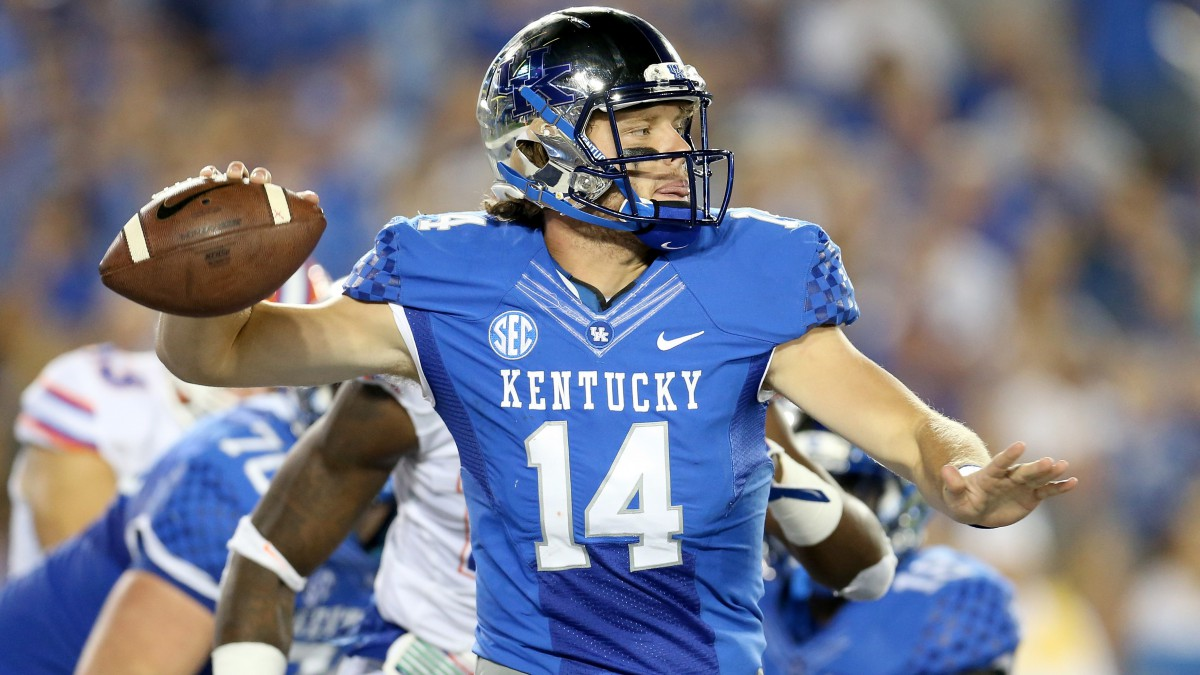 Patrick Towles of the Wildcats passes the ball against the Florida Gators.