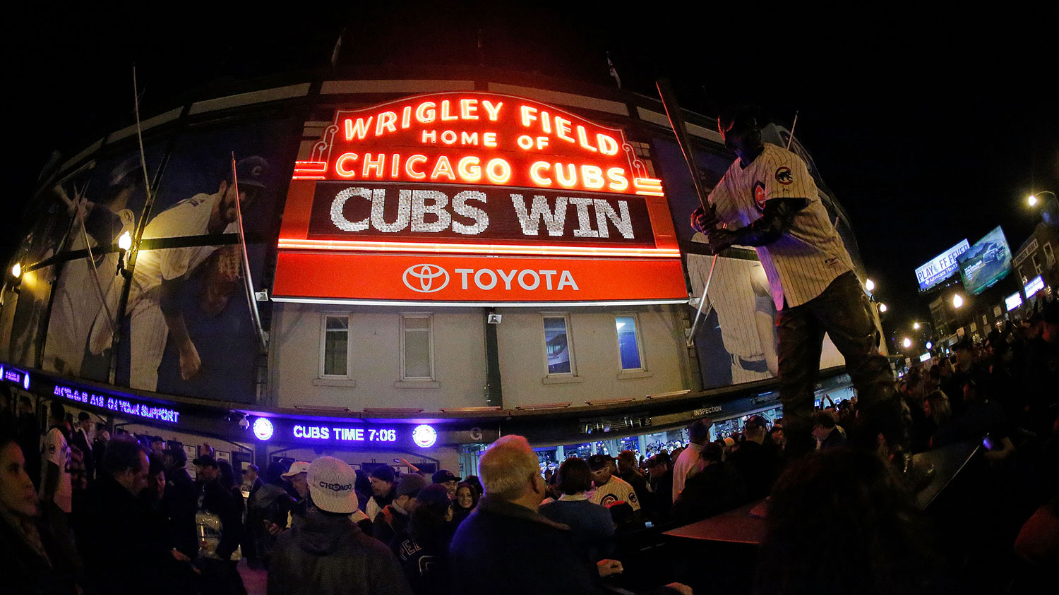 How many more times will the Wrigley Field marquee light up?