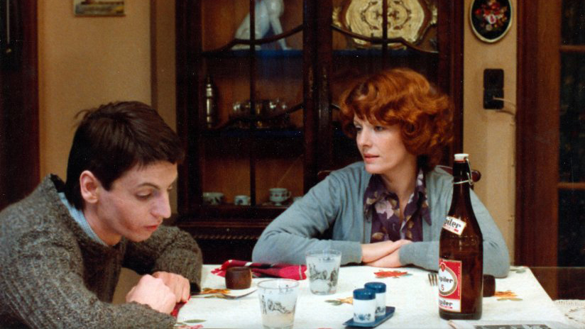 Still of Delphine Seyrig in 'Jeanne Dielman, 23, quai du commerce, 1080 Bruxelles'