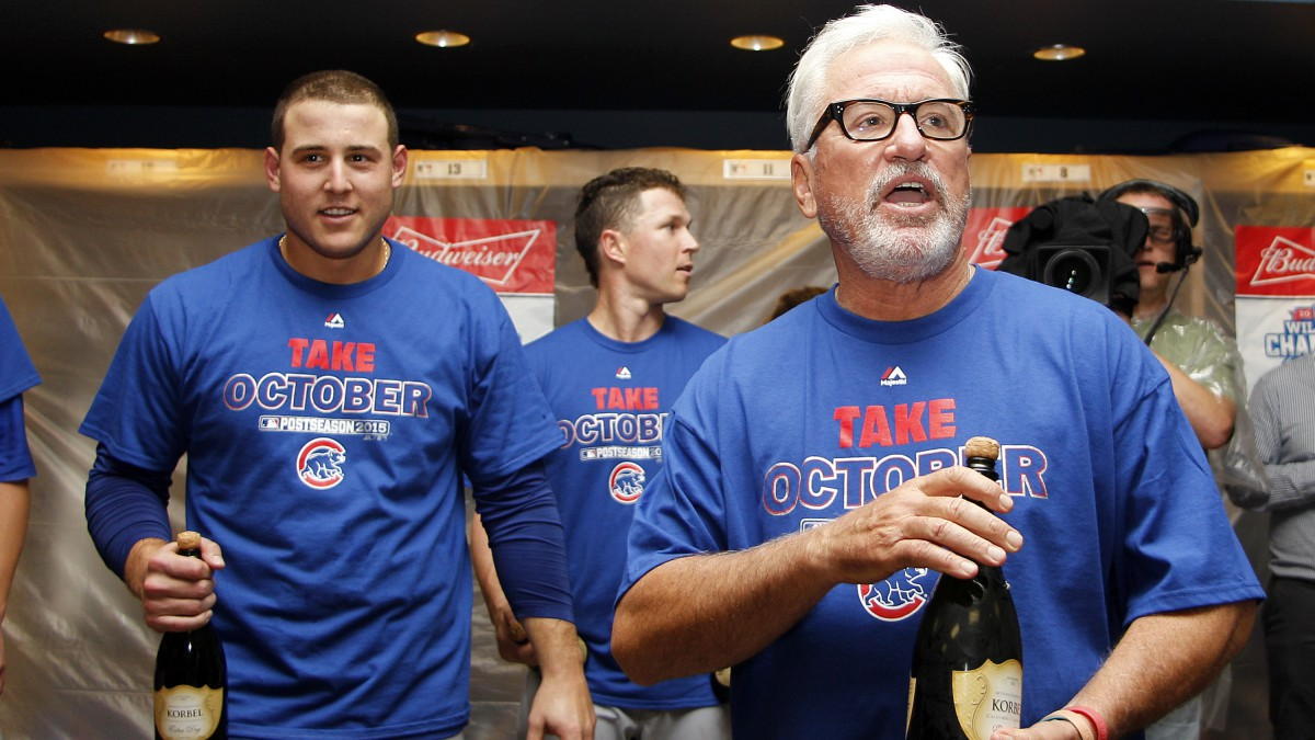 Joe Maddon addresses the Chicago Cubs after the National League Wild Card game.
