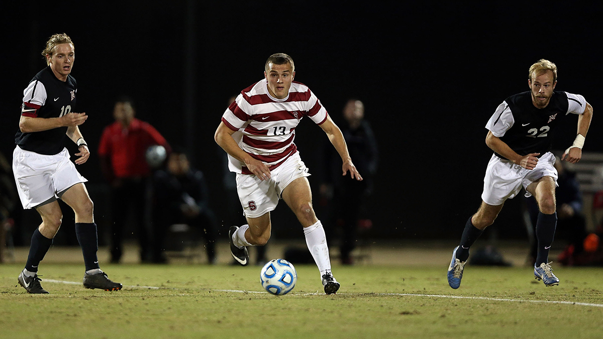 Morris controls the ball for Stanford in a 2013 match against Cal State Northridge.