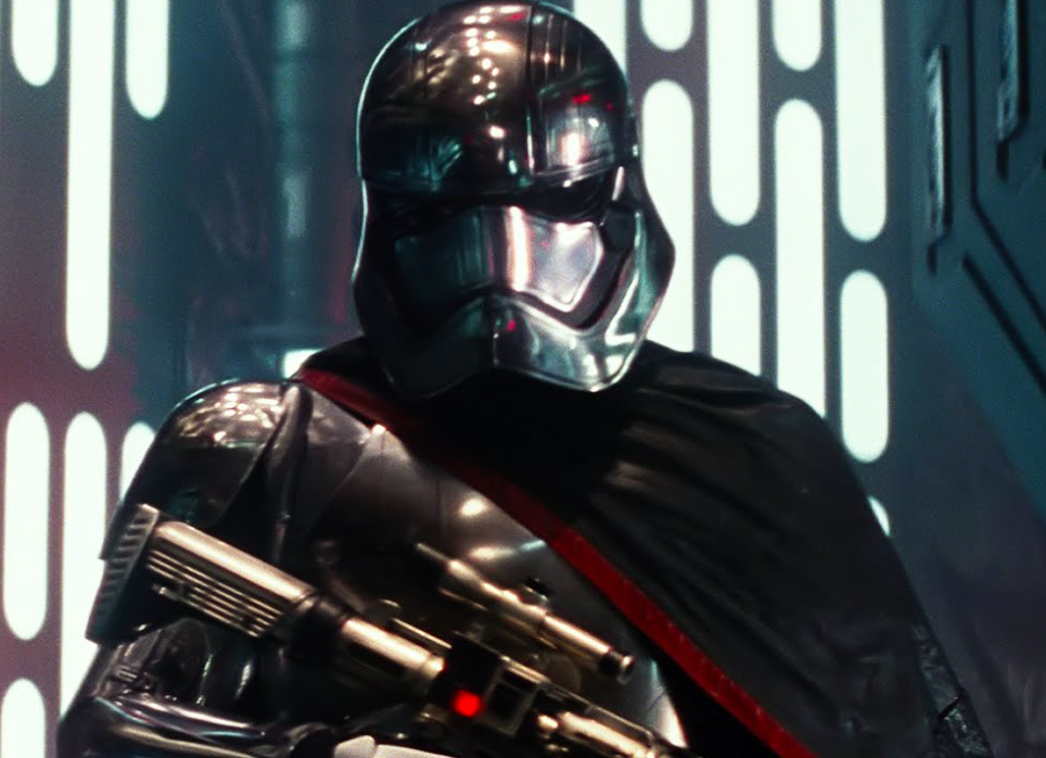 sw_jackets_phasma_cape